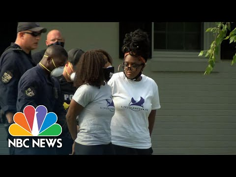 breonna-taylor-protesters-arrested-at-attorney-general's-home-|-nbc-news-now