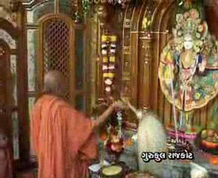 Download Swaminarayan Nirajan Aarti, Gurukul Surat Part 2
