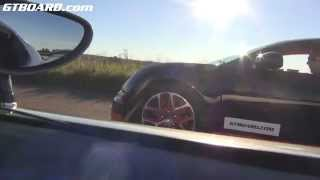 koenigsegg agera r vs bugatti veyron vitesse in topspeed mode filmed from the agera