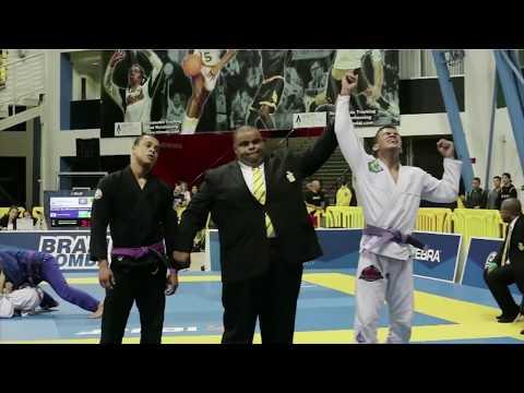 Mauricio Oliveira (GFTeam) - IBJJF Worlds 2017 Highlights