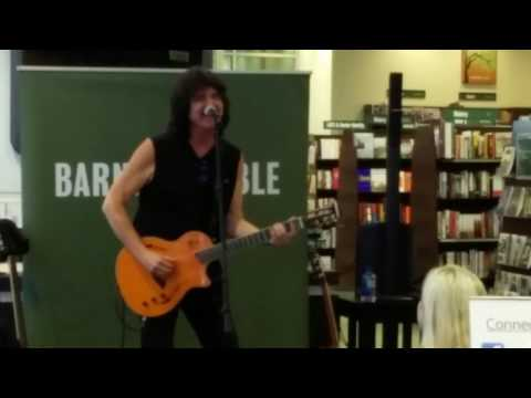 Charlie Farren performing Fool In Love at Barnes and Noble Prudential Center Boston Lost Rockers