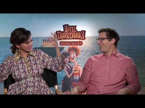Selena Gomez & Andy Samberg Can't Stop Talking About the San Antonio Spurs