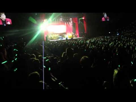 Barry Manilow - Bermuda Triangle live in concert at The O2 Arena London, May 26 2014.