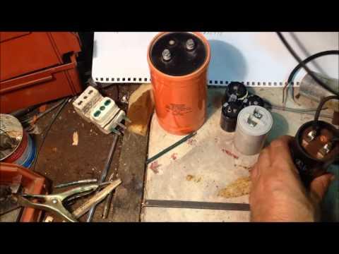 condensatore con tester