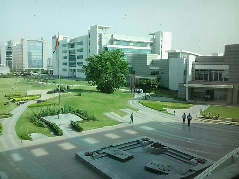 HCL Noida tour.. One of the best Campus