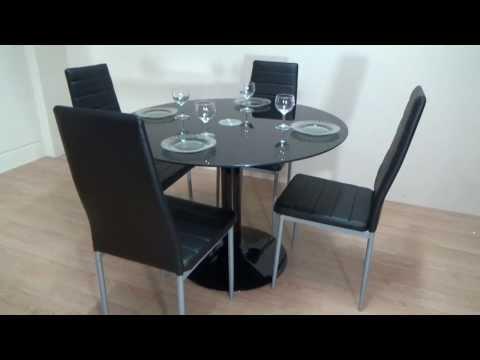 Descatalogado pack mesa redonda de cristal negro 4 for Mesas de comedor plegables baratas