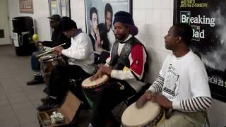 Dumb kids drum in NYC subway