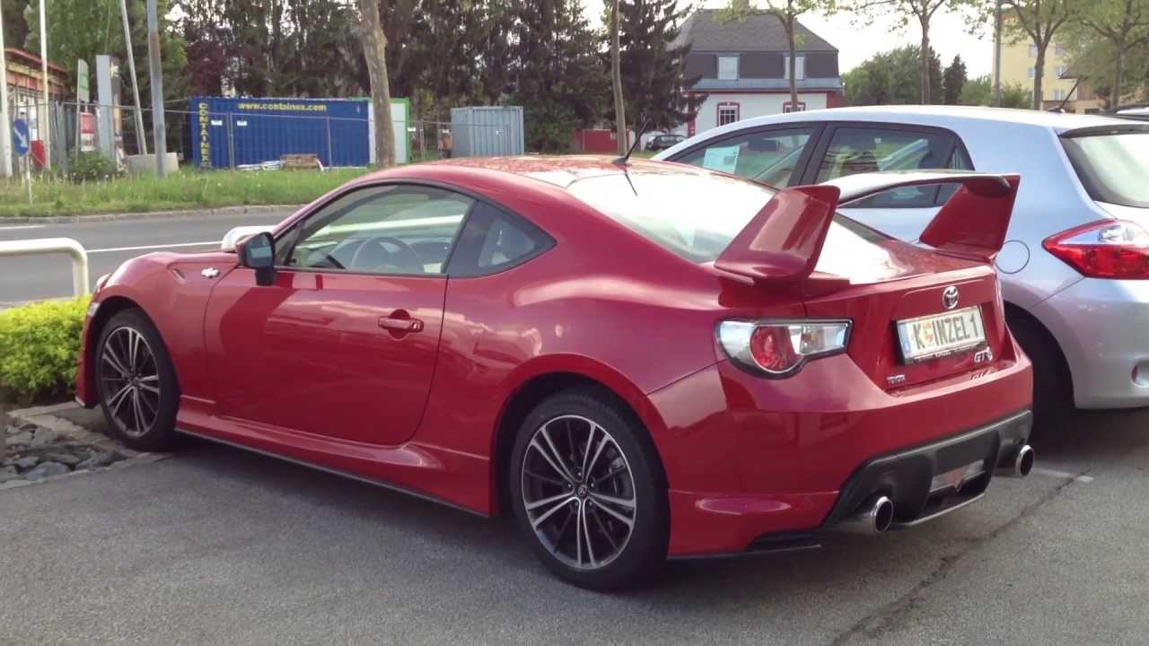 toyota gt86 with aero kit in red silver gt86 youtube. Black Bedroom Furniture Sets. Home Design Ideas
