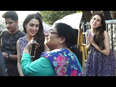 Sara Ali Khan SWEET GESTURE For FANS Taking Selfie With Them Outside PVR Juhu | Simmba Promotion