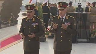 الرئيس السيسي ينيب وزير الدفاع بوضع إكليل زهور على النصب التذكاري لشهداء القوات المسلحة