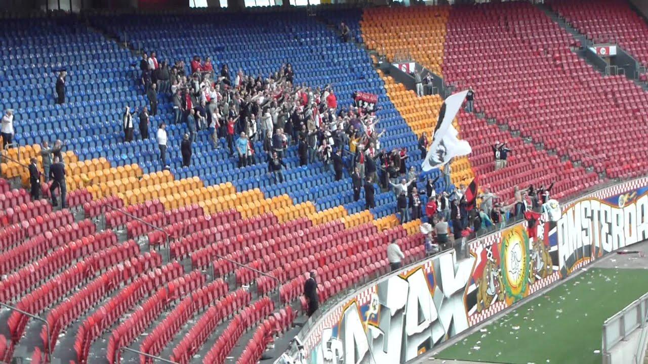 AJAX vs PSV 25 maart 2012 afterparty F-side in de lege
