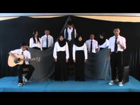 musikalisasi bahasa sunda - nu turun ti langit karya apip mustopa (SMAN 1 LEMBANG)