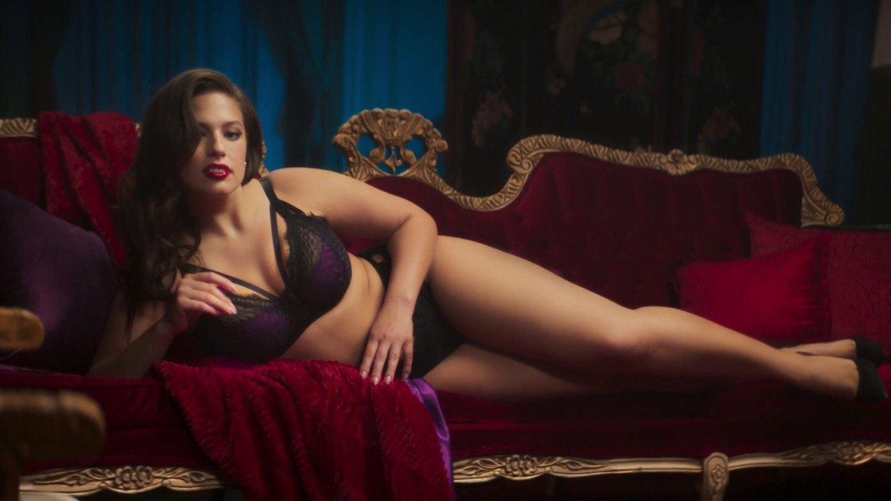 3fd3636c44f ASHLEY GRAHAM 2017 LINGERIE CAMPAIGN