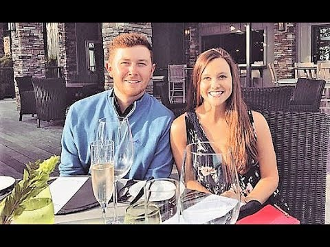 Scotty McCreery Marries Longtime Girlfriend Gabi Dugal
