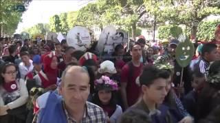 مصر العربية | في مسيرة بتونس.. الموسيقى تمتزج بعبق الزهور رفضا للعنف ودعوة للسلام