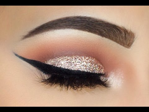 Silver Glitter And Bold Wing Makeup Tutorial