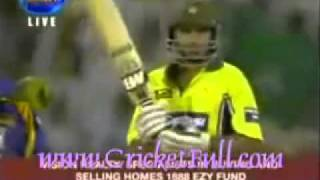 six boundaries in a over by pakistani cricketer afridi 4 4 6 6 6 6