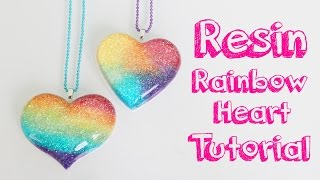 Tutorial de resina: Corazon de arcoiris - Resin tutorial: Rainbow heart charm