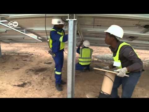 Deutsche bauen Solarfarmen in Südafrika | Wirtschaft kompakt