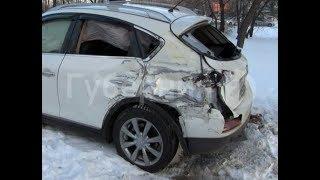Колесный кран и маршрутное такси столкнулись в Хабаровске.MestoproTV