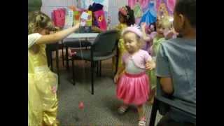 Makala&#39s 5th Bday party Hot Dog Dance