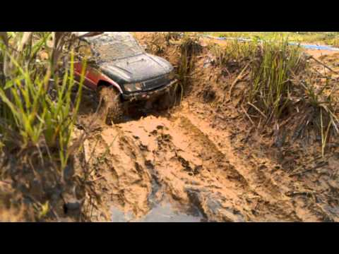 RC SCX10 HONCHO mud run.