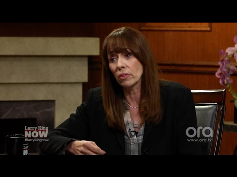 Thumbnail: Mackenzie Phillips has no regrets about revealing incestuous relationship with her father