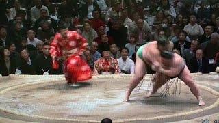 【大相撲初場所8日目】 豪風vs.魁聖 豪風の一本背負い! 一本背負いは3...