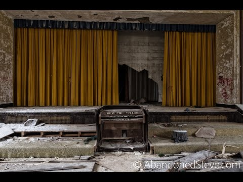 Exploring Creepy Abandoned Theater in Pennsylvania