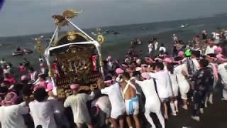 30年  茅ケ崎 浜降祭   本社神輿海上渡御 迫力満足 。 thumbnail