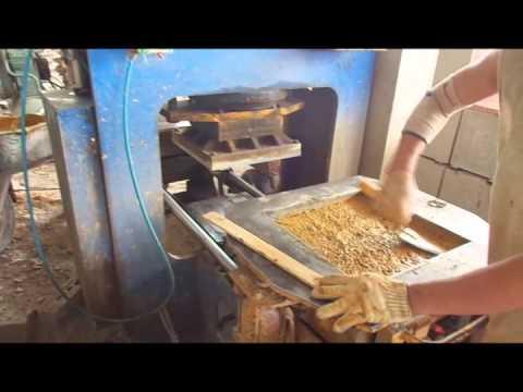 Máy sản xuất gạch terrazzo tại công ty Mạnh Quân