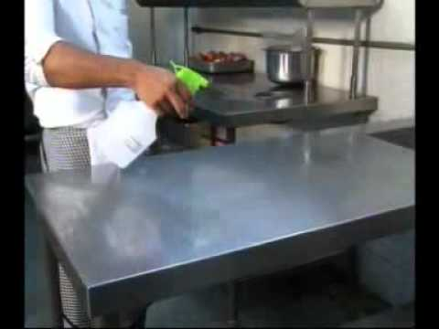 Cleaning and Sanitizing Methods for Food Handlers - English
