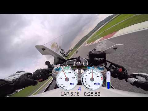 Triumph Daytona R : Laps Sepang F Circuit