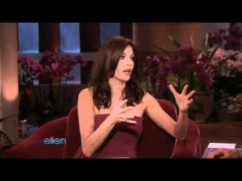 Teri Hatcher Gets a Stinging Surprise!