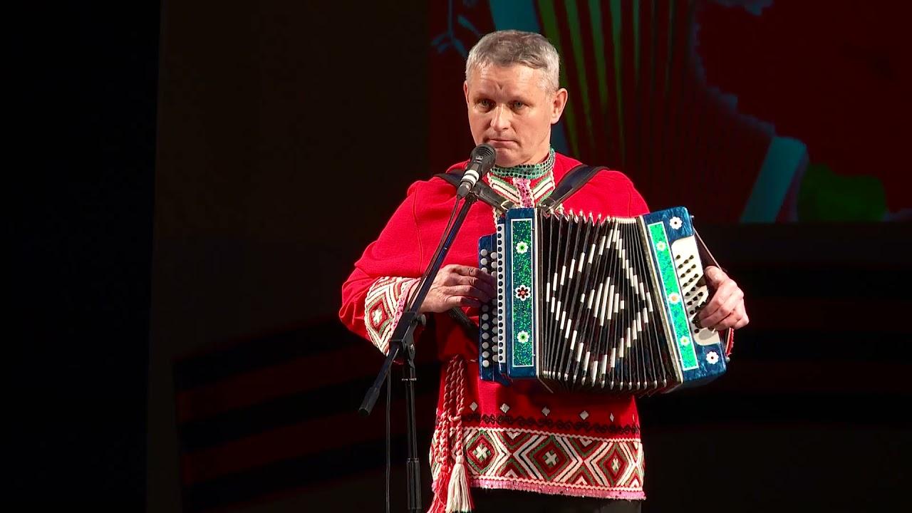 """Песня """"Военная фотография"""" - исполняет Ильсур Хадиев."""