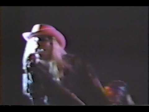 mother-love-bone---come-bite-the-apple---live-1989