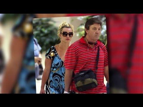 Britney Spears' Father Asks Conservatorship For More Money | Splash News TV | Splash News TV