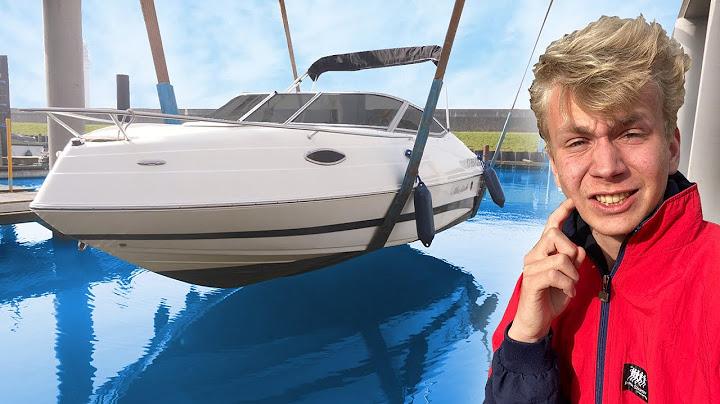 het is zover de speedboot mag het water in motor problemen