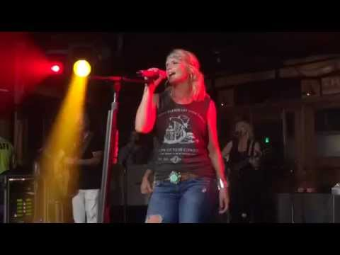 Miranda Lambert - Little Red Wagon Fort Walton Beach Florida The Block 06 / 14 / 2014