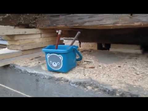 ремонт фундамента и замена нижних венцов деревянного дома часть 1