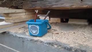 видео Как заменить нижние венцы деревянного сруба бани и дома