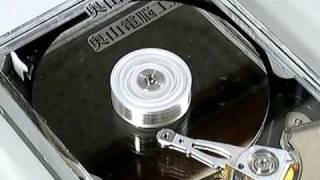 正常な(に起動する)ハードディスクの内部の動き (奥山電脳工房) thumbnail