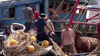 (VTC14)_Nhiều người lao động tố cáo  bị bóc lột và hành hạ trên biển