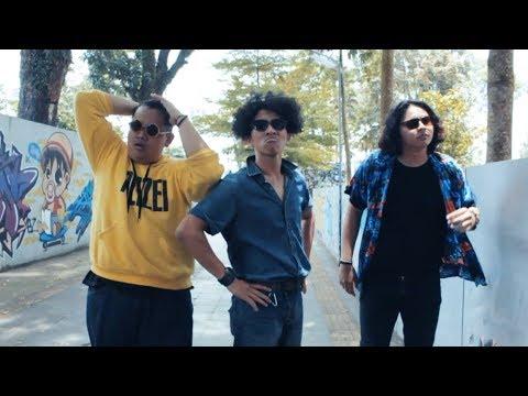 Warkop DKI Reborn - Burung Kakak Tua [OST Warkop DKI Reborn Jangkrik Boss !] (Video Clip Cover) Mp3