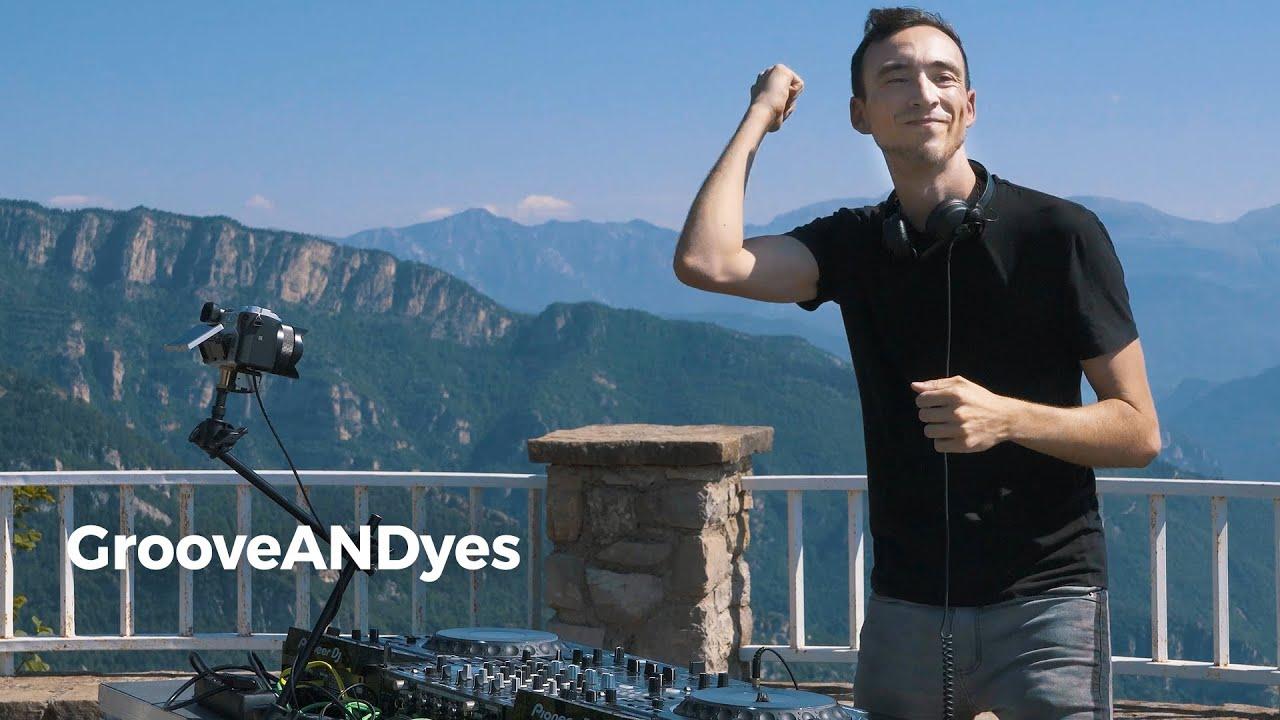 GrooveANDyes - Live @ Radio Intense Spain 21.7.2021 [Techno DJ Mix] 4K