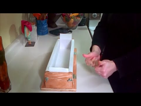 Easy way to line a soap mold