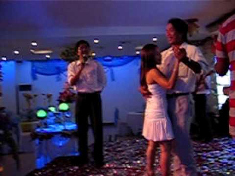 đám cưới Chichi