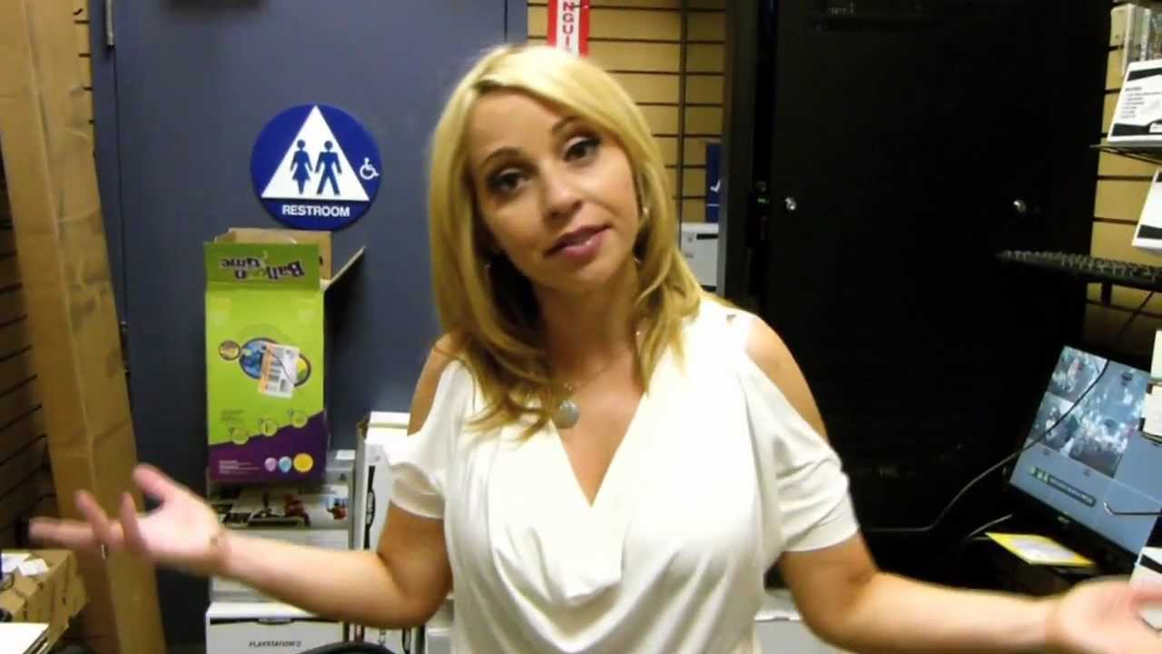 Tara Strong Lollipop Chainsaw Launch - YouTube Tara Strong Lollipop Chainsaw