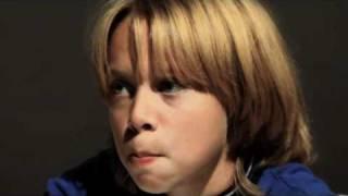 видео Что делает ваш ребенок в Интернете?