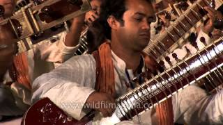 Shivkumar Sharma and Shri Shri Ravi Shankar at sitar concert